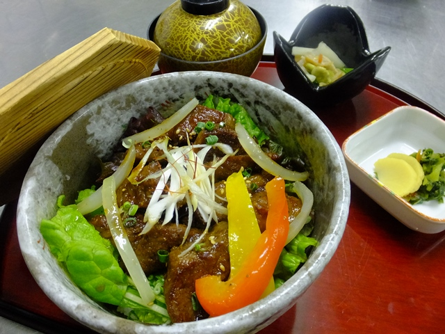 10 米沢牛カルビ丼2