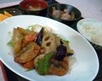 白身魚と野菜の黒酢あんかけ