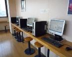 白根中央自動車学校の校内食堂にはインターネットコーナーがあります。