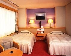 長井タスパークホテル1