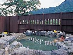 冬の北国で入る温泉は格別!