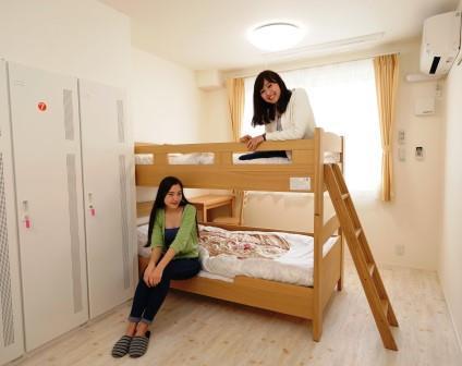 室内 2~3名用寝室