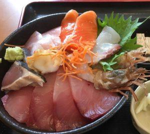 合宿免許 鳥取県東部自動車学校 特典 市場食堂の海鮮丼